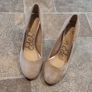Sam Edelman women's size 7.5 tan suede pumps